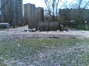 Двор домов 54 и 56 по ул. Громобоя.